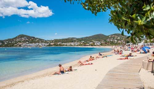 Alojarse en Ibiza en Cala Talamanca