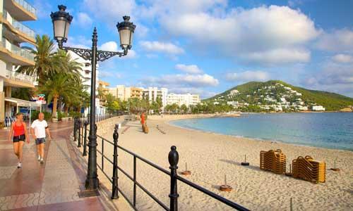 Alojarse en Ibiza Santa Eulalia